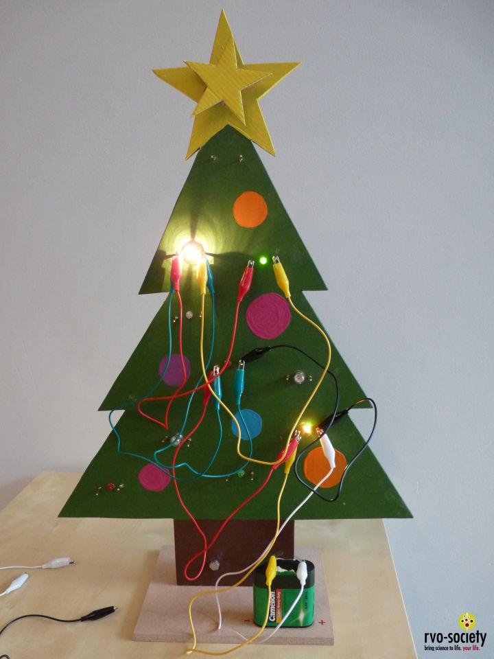 Rvo Society Materiaal Kerstboom Vol Lichtjes